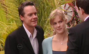 Paul Robinson, Elle Robinson in Neighbours Episode 4832