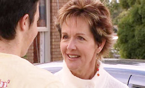 Stingray Timmins, Susan Kennedy in Neighbours Episode 4835