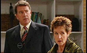 Alex Kinski, Susan Kennedy in Neighbours Episode 4859