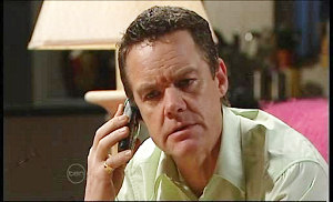 Paul Robinson in Neighbours Episode 4859