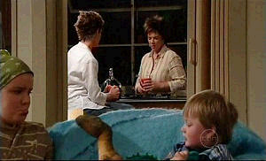 Bree Timmins, Susan Kennedy, Lyn Scully, Oscar Scully in Neighbours Episode 4915