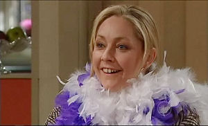 Janelle Timmins in Neighbours Episode 4915