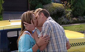 Max Hoyland, Steph Scully in Neighbours Episode 4915