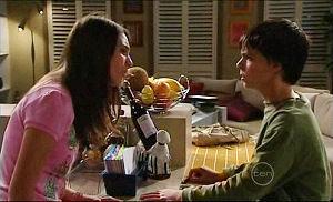 Rachel Kinski, Zeke Kinski in Neighbours Episode 4921