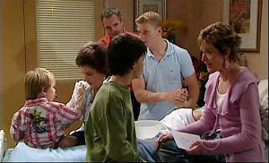 Boyd Hoyland, Karl Kennedy, Oscar Scully, Lyn Scully, Zeke Kinski, Susan Kennedy in Neighbours Episode 4921