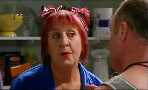 Angie Rebecchi, Kim Timmins in Neighbours Episode 4922