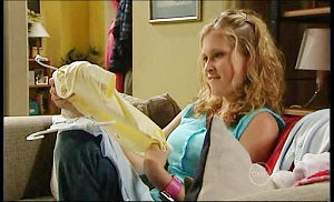 Janae Timmins in Neighbours Episode 4933