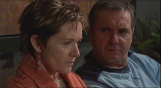 Susan Kennedy, Karl Kennedy in Neighbours Episode 5336