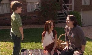 Darren Stark, Libby Kennedy, Ben Kirk in Neighbours Episode 5369