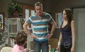 Susan Kennedy, Karl Kennedy, Libby Kennedy in Neighbours Episode 5372