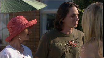 Susan Kennedy, Darren Stark in Neighbours Episode 5375