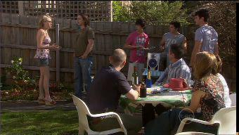Janae Timmins, Darren Stark, Steve Parker, Zeke Kinski, Declan Napier, Karl Kennedy, Frazer Yeats, Miranda Parker, Susan Kenned in Neighbours Episode 5375
