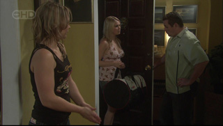 Steph Scully, Janae Timmins, Toadie Rebecchi in Neighbours Episode 5376
