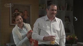 Susan Kennedy, Karl Kennedy in Neighbours Episode 5377