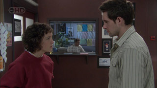 Bridget Parker, Angus Henderson in Neighbours Episode 5377