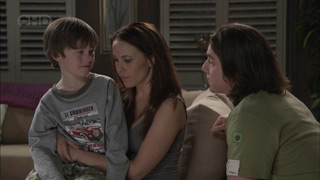 Libby Kennedy, Ben Kirk, Darren Stark in Neighbours Episode 5378