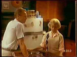 Jim Robinson, Helen Daniels in Neighbours Episode 0036