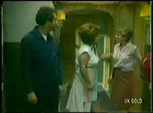 Max Ramsay, Edith Harris in Neighbours Episode 0037