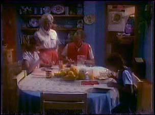 Julie Robinson, Helen Daniels, Jim Robinson, Lucy Robinson in Neighbours Episode 0039