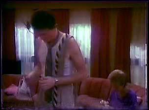 Des Clarke, Daphne Clarke in Neighbours Episode 0039