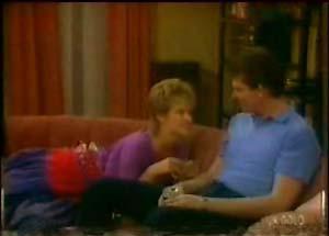 Daphne Clarke, Des Clarke in Neighbours Episode 0039