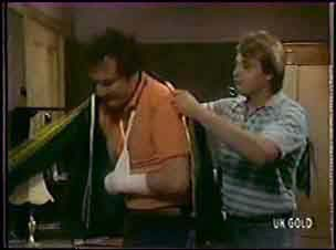 Max Ramsay, Shane Ramsay in Neighbours Episode 0040