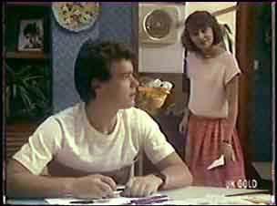 Paul Robinson, Julie Robinson in Neighbours Episode 0040