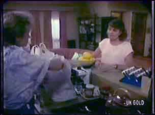 Daphne Clarke, Julie Robinson in Neighbours Episode 0040
