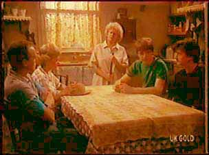 Jim Robinson, Helen Daniels, Mrs Forbes, Scott Robinson, Danny Ramsay in Neighbours Episode 0041