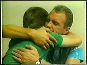 Jim Robinson, Scott Robinson in Neighbours Episode 0042