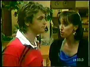 Shane Ramsay, Maria Ramsay in Neighbours Episode 0042