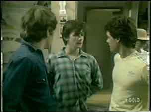 Scott Robinson, Danny Ramsay, Paul Robinson in Neighbours Episode 0043