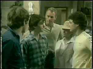 Scott Robinson, Danny Ramsay, Jim Robinson, Mrs Forbes, Paul Robinson in Neighbours Episode 0043