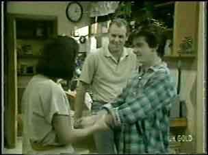 Maria Ramsay, Danny Ramsay, Jim Robinson in Neighbours Episode 0043