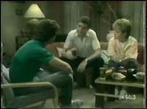 Paul Robinson, Des Clarke, Daphne Lawrence in Neighbours Episode 0043