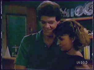 Paul Robinson, Julie Robinson in Neighbours Episode 0044