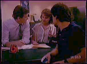 Des Clarke, Julie Robinson, Paul Robinson in Neighbours Episode 0044