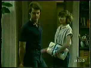 Paul Robinson, Julie Robinson in Neighbours Episode 0045