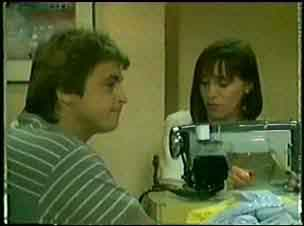 Shane Ramsay, Maria Ramsay in Neighbours Episode 0045