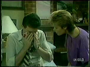 Des Clarke, Daphne Clarke in Neighbours Episode 0046