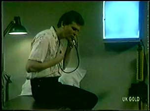 Des Clarke in Neighbours Episode 0046