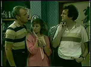 Jim Robinson, Julie Robinson, Max Ramsay in Neighbours Episode 0047
