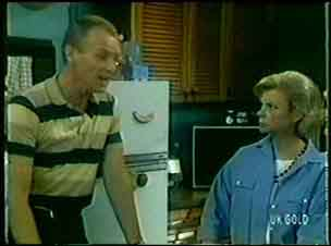Jim Robinson, Helen Daniels in Neighbours Episode 0047