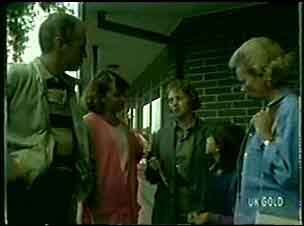 Jim Robinson, Julie Robinson, Lucy Robinson, Helen Daniels in Neighbours Episode 0047