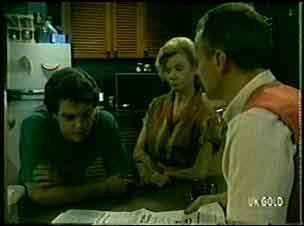 Jim Robinson, Paul Robinson, Helen Daniels in Neighbours Episode 0048