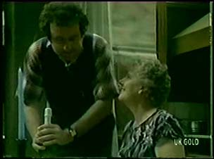 Max Ramsay, Edith Harris in Neighbours Episode 0049