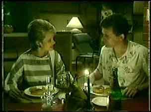 Daphne Clarke, Des Clarke in Neighbours Episode 0051