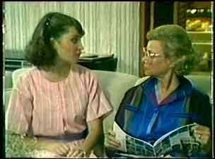 Julie Robinson, Helen Daniels in Neighbours Episode 0051