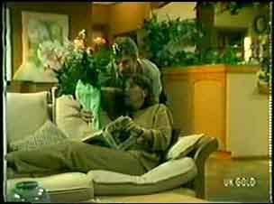 Nick Burman, Maria Ramsay in Neighbours Episode 0052