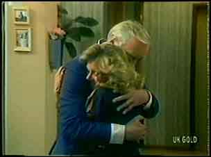 Victor Armstrong, Margaret Newman in Neighbours Episode 0054